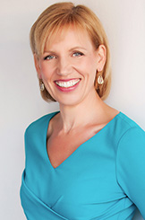 Mari Smith Headshot - Turquoise Dress